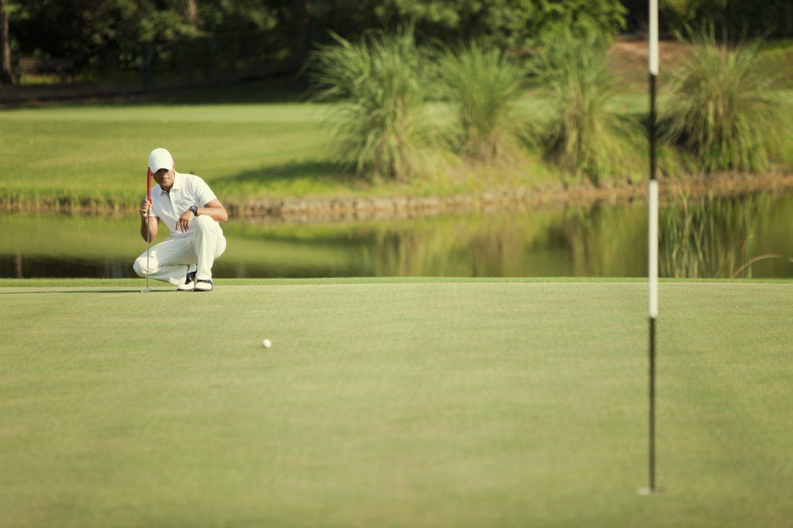 Golfin pelaamista