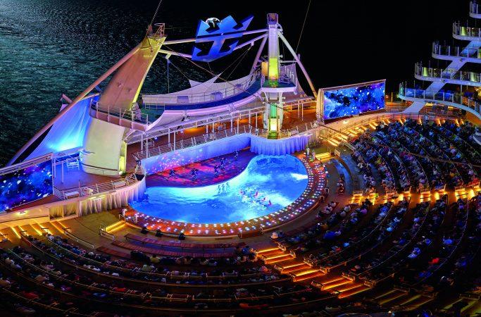 Risteily Royal Caribbean show