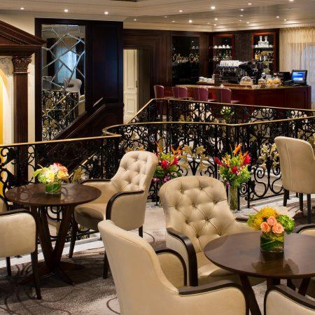 Risteily Azamara Cruises baari