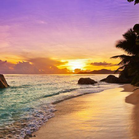 Seychellit Denise Island auringonlasku
