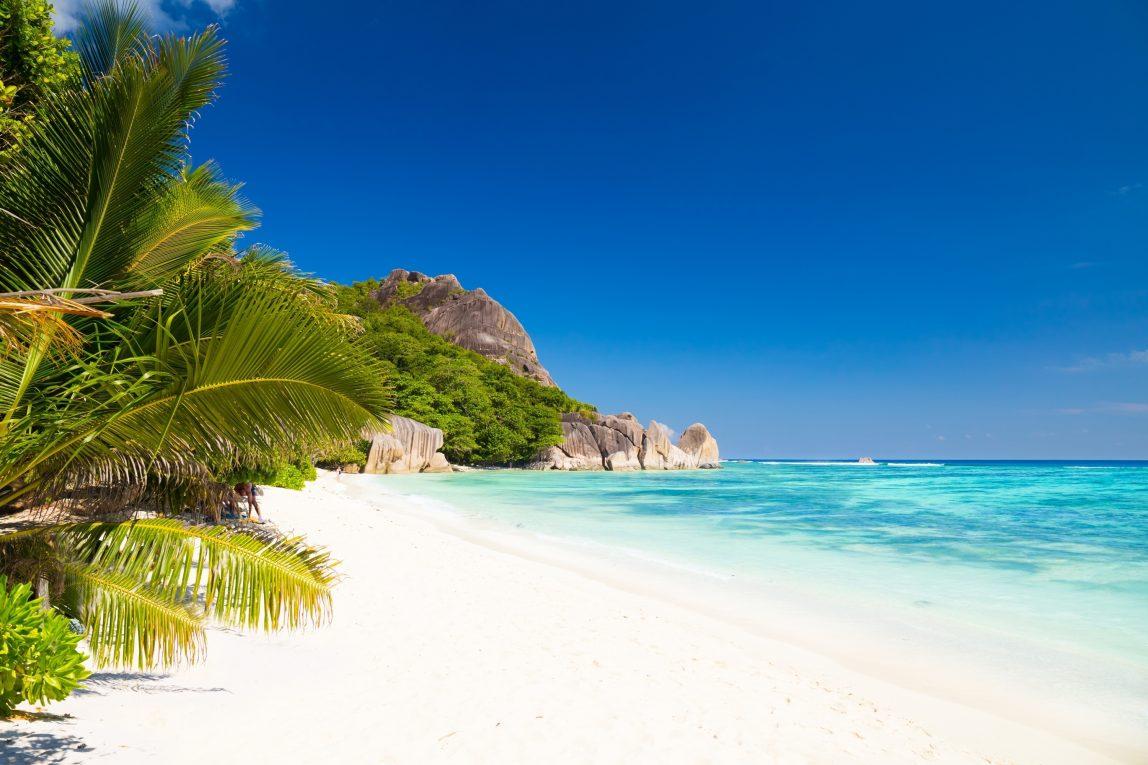 Seychellit Silhouette ranta