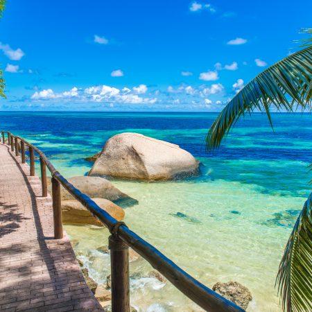 Seychellit Praslin ranta