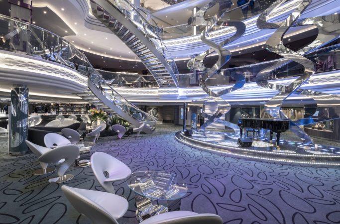 Ristely MSC Cruises lounge